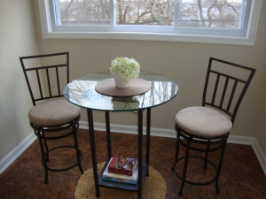 Vacant sunroom staged